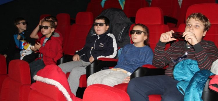 Dzieci ze Stemplewa w kinie. Dzięki TESCO :)